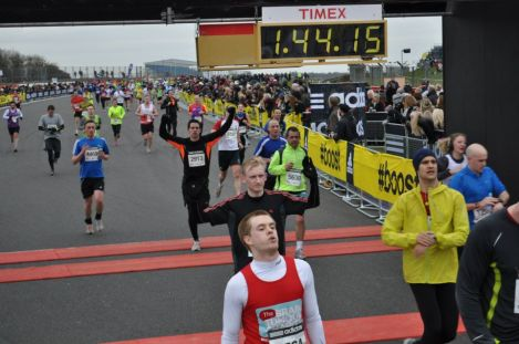 silverstone half marathon pictures review advice guide