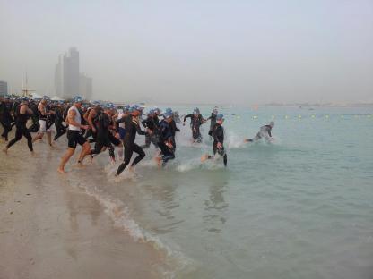 abu dhabi triathlon swim start