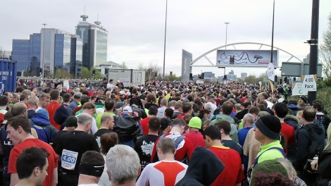 greater manchester marathon start line