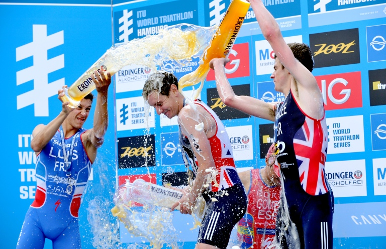 brownlees win hamburg triathlon