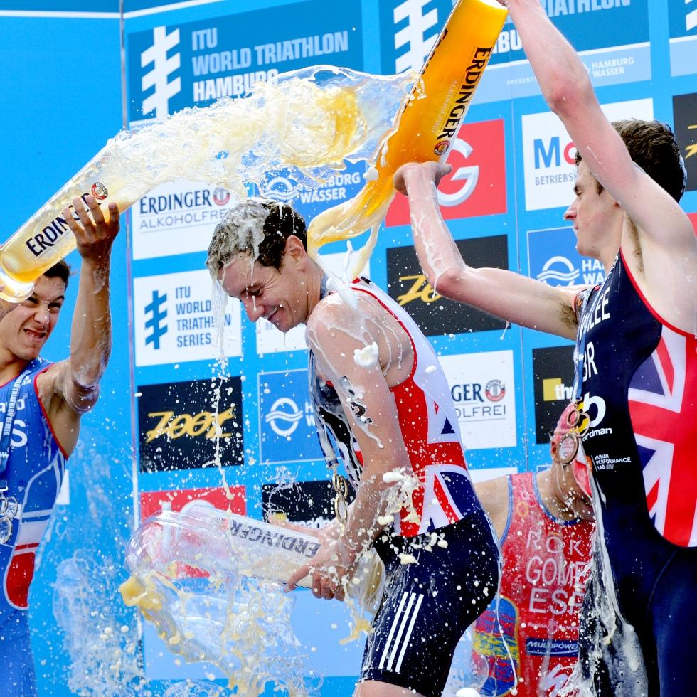 brownlees win hamburg triathlon